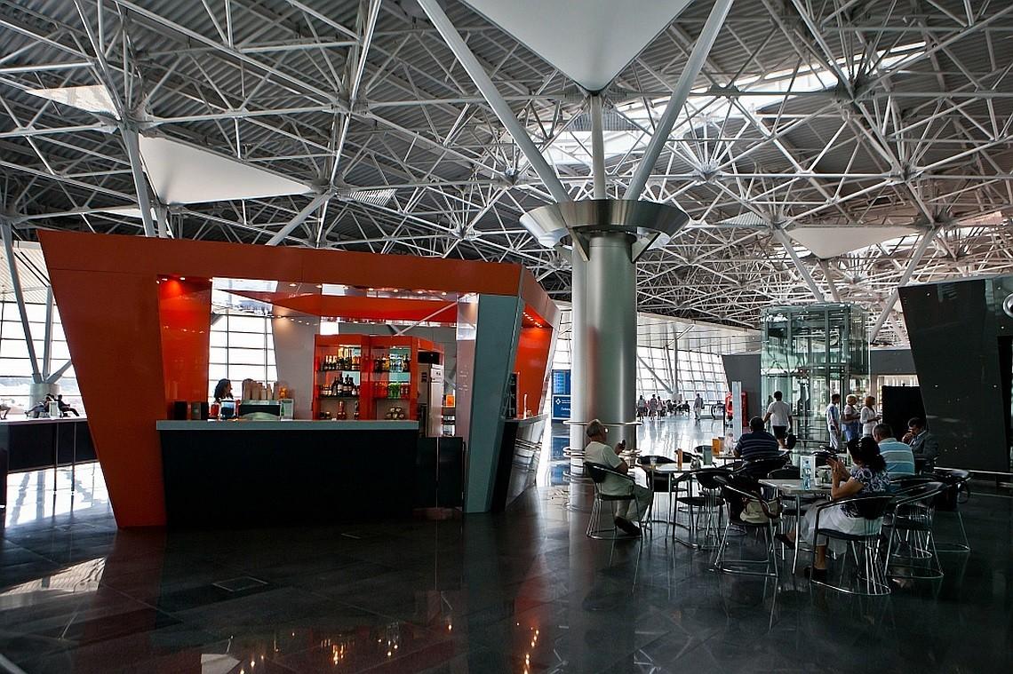 Где поесть в аэропорту Внуково дешево