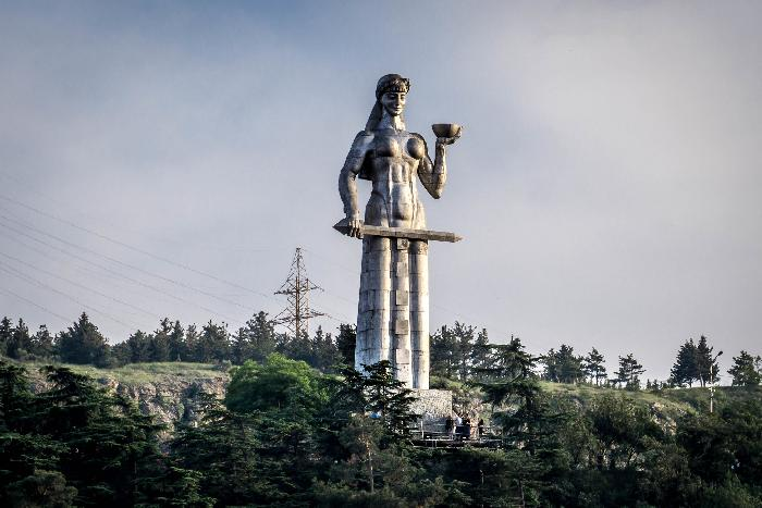 Монумент Мать Картли