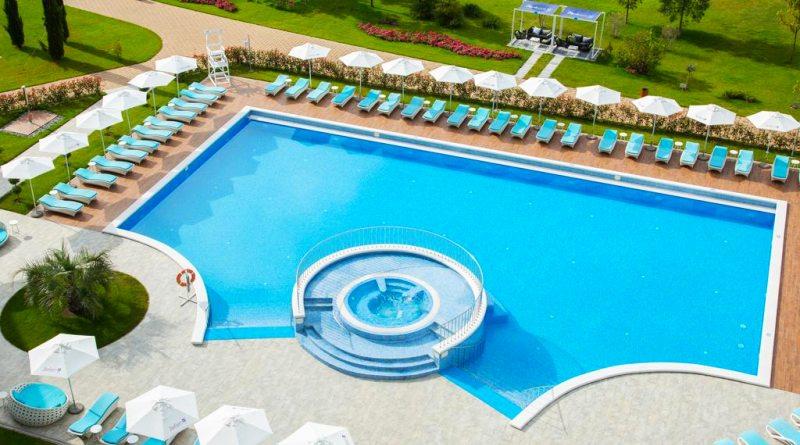 СПА отели Адлера с бассейном на берегу моря