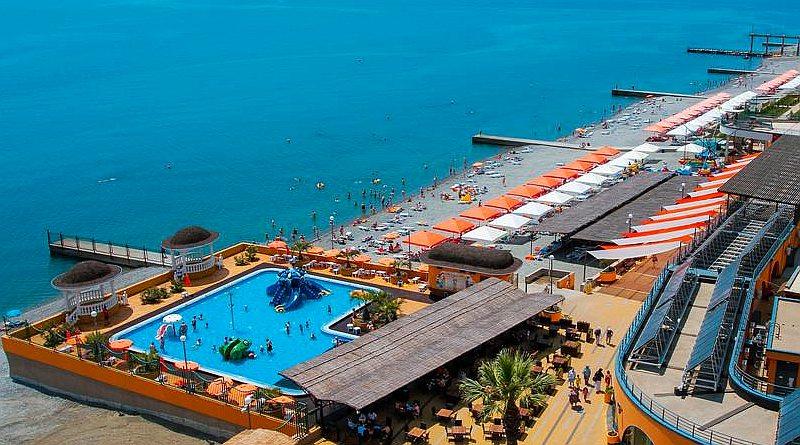 СПА отели Сочи с бассейном на берегу моря