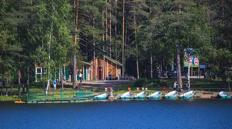 Базы отдыха в Ленинградской области с бассейном