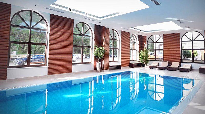 Отели Роза Хутор с бассейном Сочи Красная Поляна цены