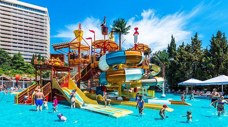 Отели Крыма для детей с аквапарком и бассейном все включено