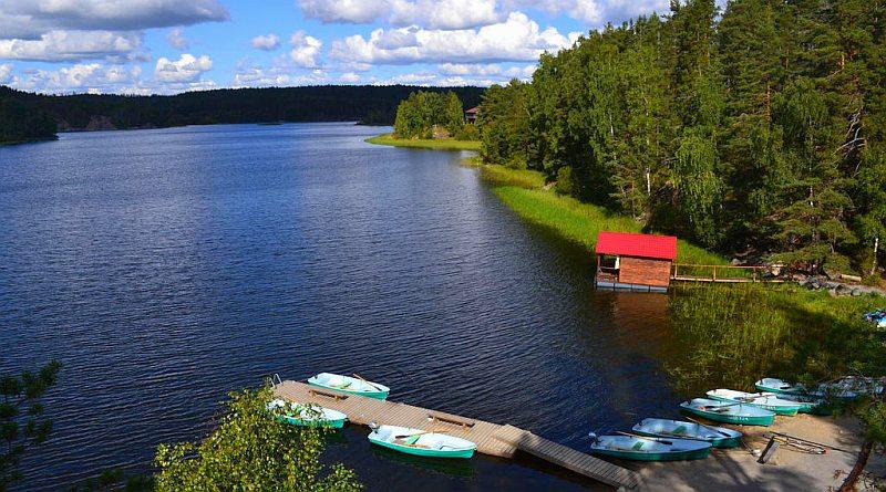 Базы отдыха в Карелии на берегу озера с питанием и рыбалкой недорого